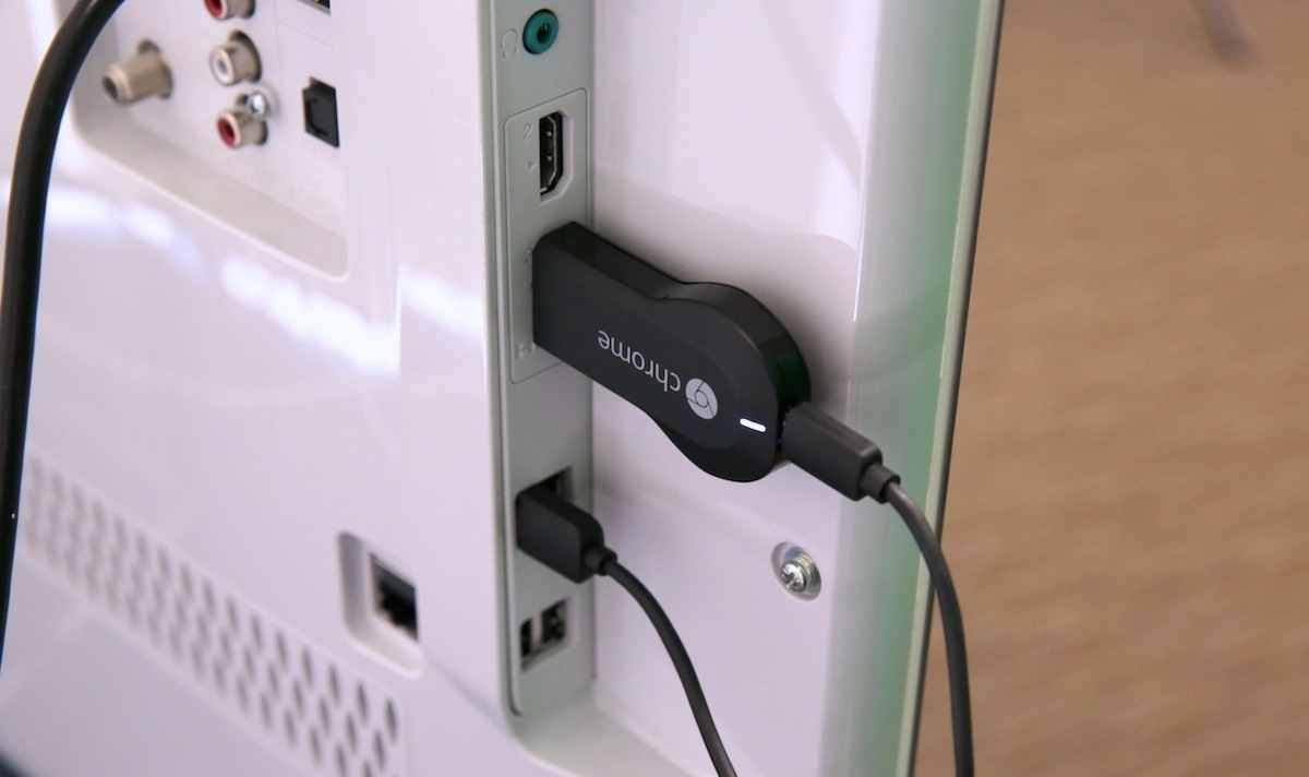 Google-Chromecast-Plugged-Into-TV