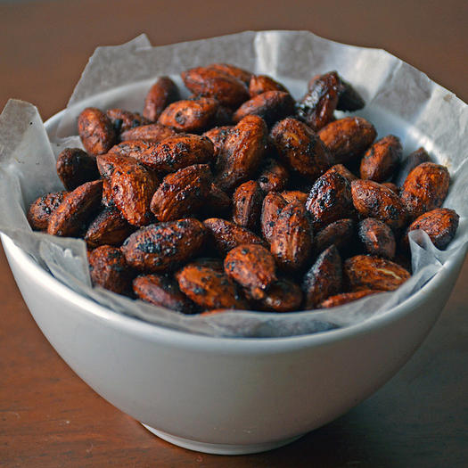 1000-fall-flavor-snacks-cinnamon-roasted-almonds