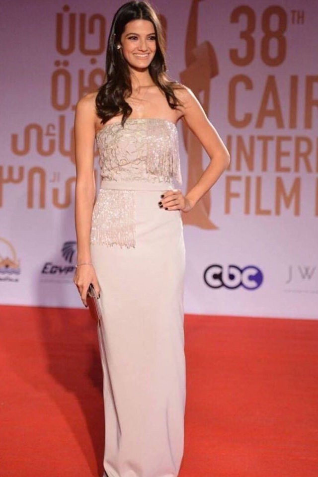 large_large-fustany-arab-celebrity-looks-at-cairo-international-film-festival-2016-02