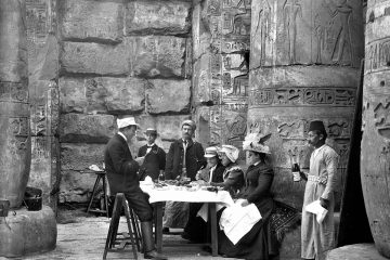 3D3309A100000578-0-European_tourists_having_a_picnic_in_a_temple_in_Egypt_circa_189-m-127_1487081323590