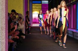header_image_Article_Main_Image-_Fustany_-_Fashion_-_Events_-_London-fashion-week-trends-spotted-at-london-fashion-week3