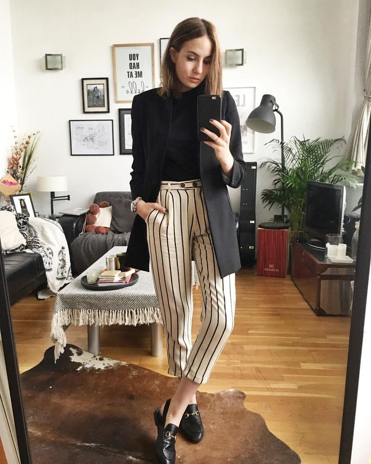 3677312eae7bc5a79af596e0cc9864d7--striped-pants-black-and-white-stripe-pants
