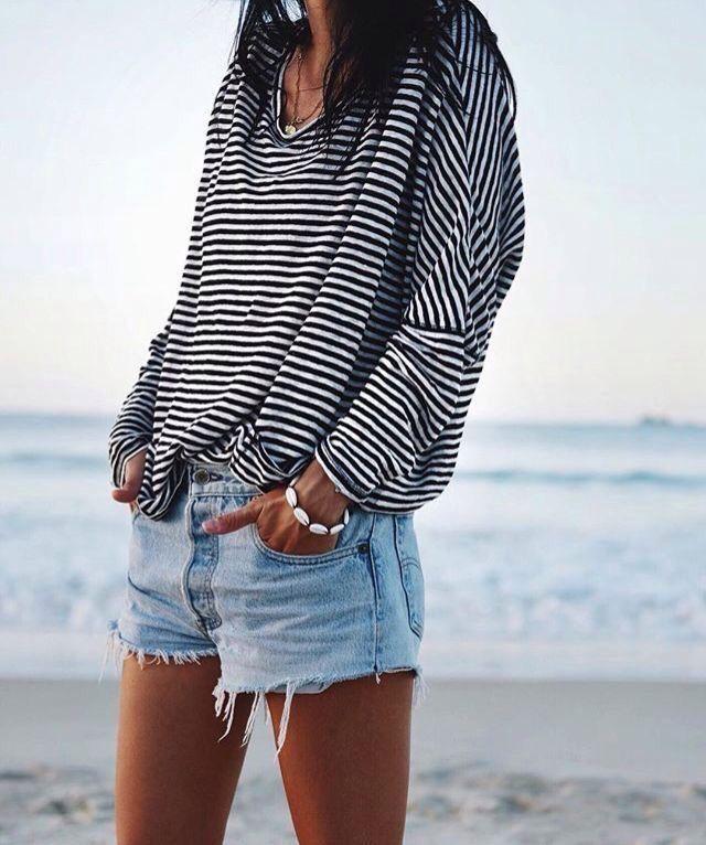 85d8b302cbca35431583a6429bd79a76--comfy-summer-shorts-casual-shorts-outfit-summer