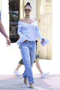 hbz-rihanna-boyfriend-jeans-1502718058
