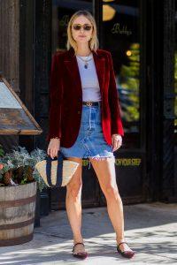 pernille-teisbaek-street-style-velvet-blazer