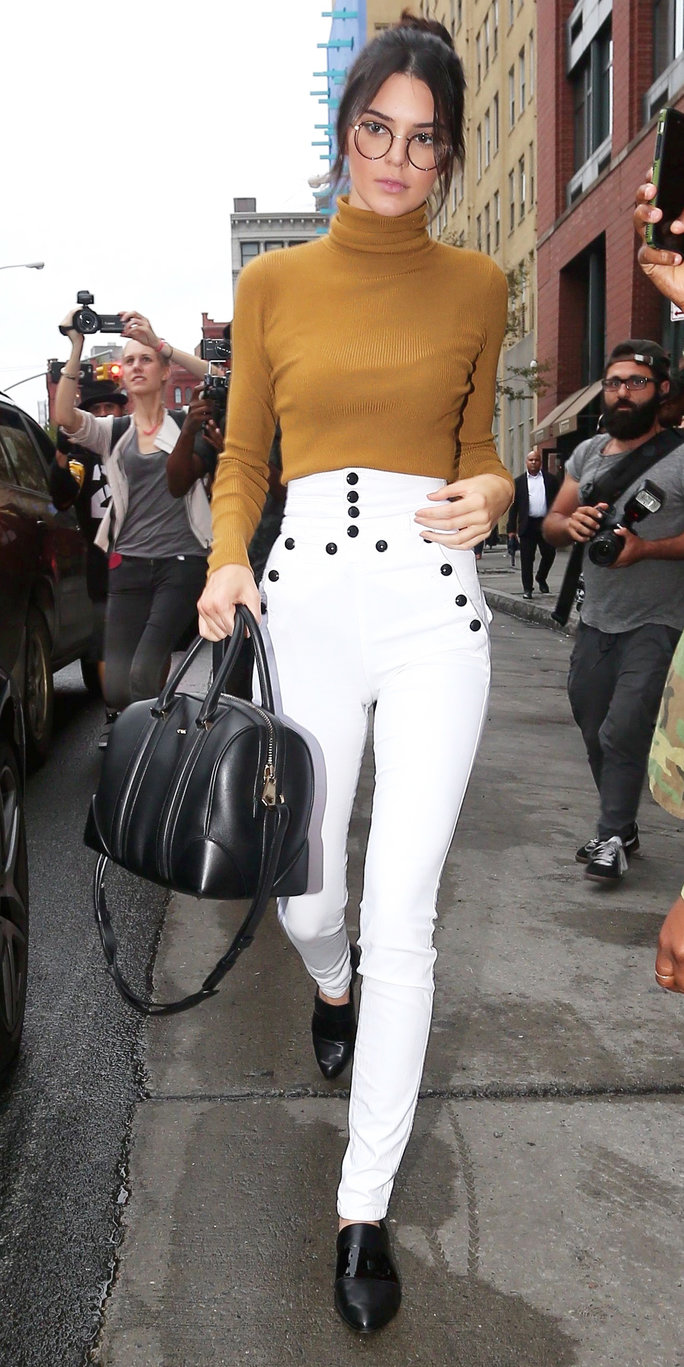 Kendall Jenner and Lewis Hamilton got some time to hang out, while in New York for Fashion Week. Thursday, September 10, 2015 X17online.com
