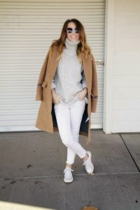 How-to-Wear-White-Jeans-in-Winter-20