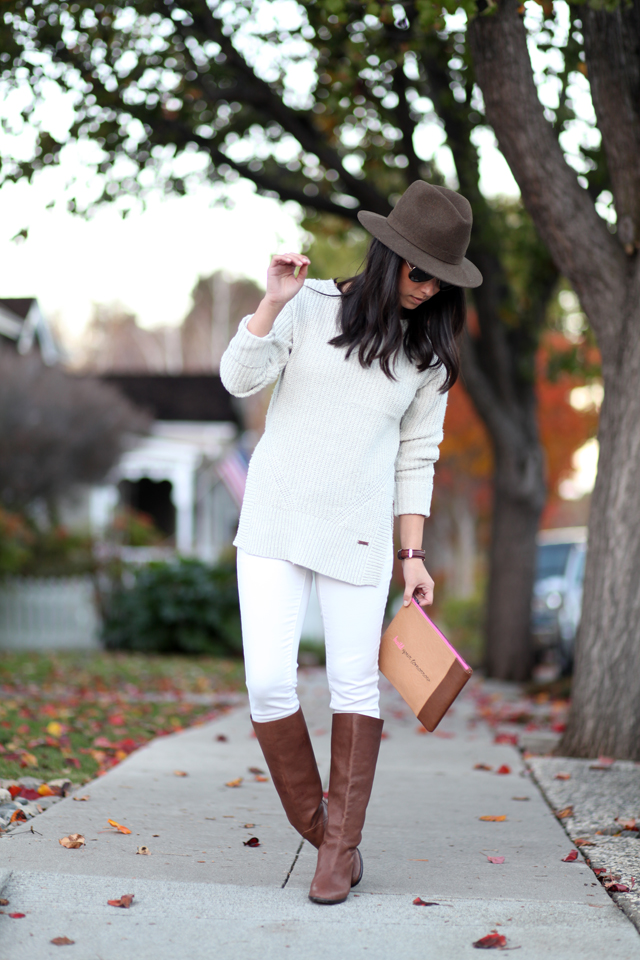 How-to-Wear-White-Jeans-in-Winter-3