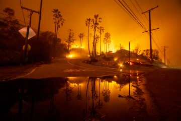 MALIBU, CALIFORNIA - NOVEMBER, 10: The Woolsey Fire burns above Malibu, California, November 10, 2018. (Photo by Kyle Grillot for The Washington Post via Getty Images)