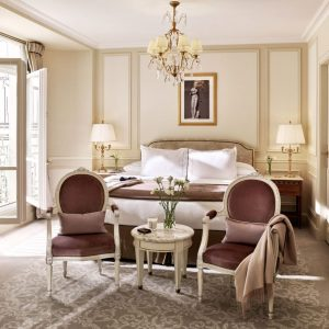 paris-le-meurice-deluxe-room-430-bedroom-1-SQ-1-904x904