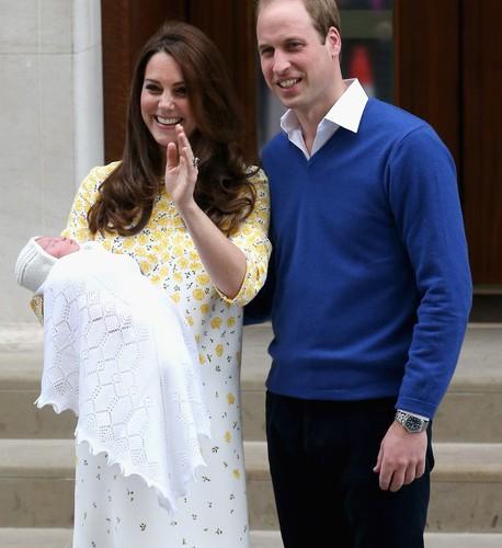 Kate+Middleton+Duke+Duchess+Cambridge+Depart+D32Q7zmCMn9l (1)