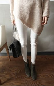 How-to-Wear-White-Jeans-in-Winter-5