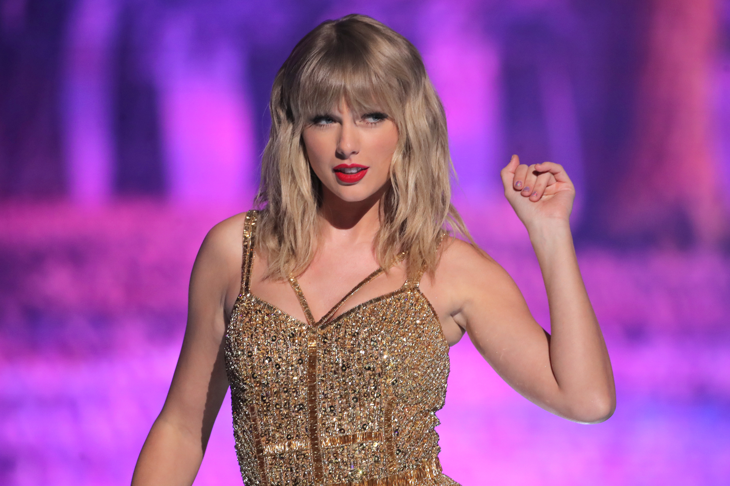 Mandatory Credit: Photo by Chelsea Lauren/Shutterstock (10481442fs) Taylor Swift 47th Annual American Music Awards, Show, Microsoft Theater, Los Angeles, USA - 24 Nov 2019